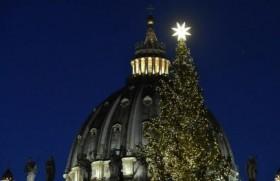 Vatican noqngøm tøm yvng hkrismas shøng nvng lòngzàpè Yesù chøm svng December (11) yaq taq kení dvcøp pvng lvm shvngkà.